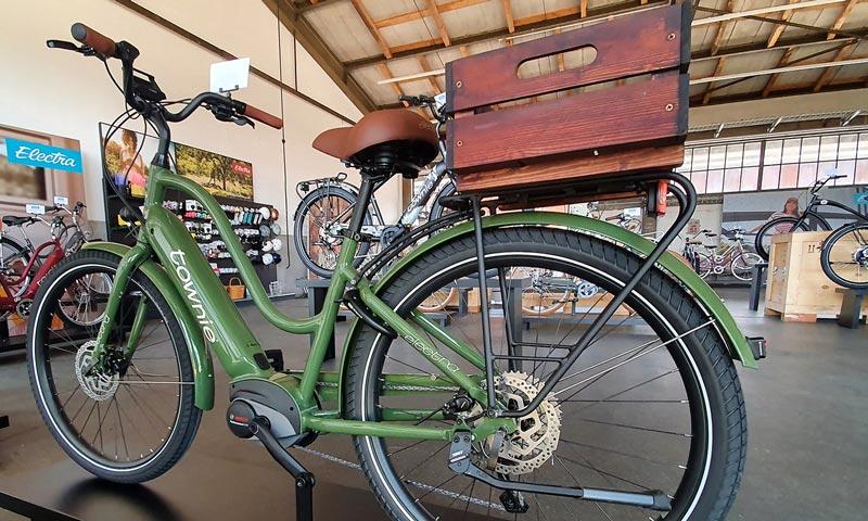 electra elektrijalgratas olive puust kastiga