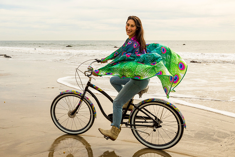 Linnajalgratas rannal