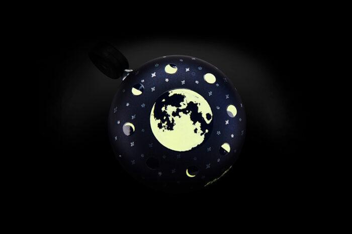 rattakell pimedas helendav electra lunar glow